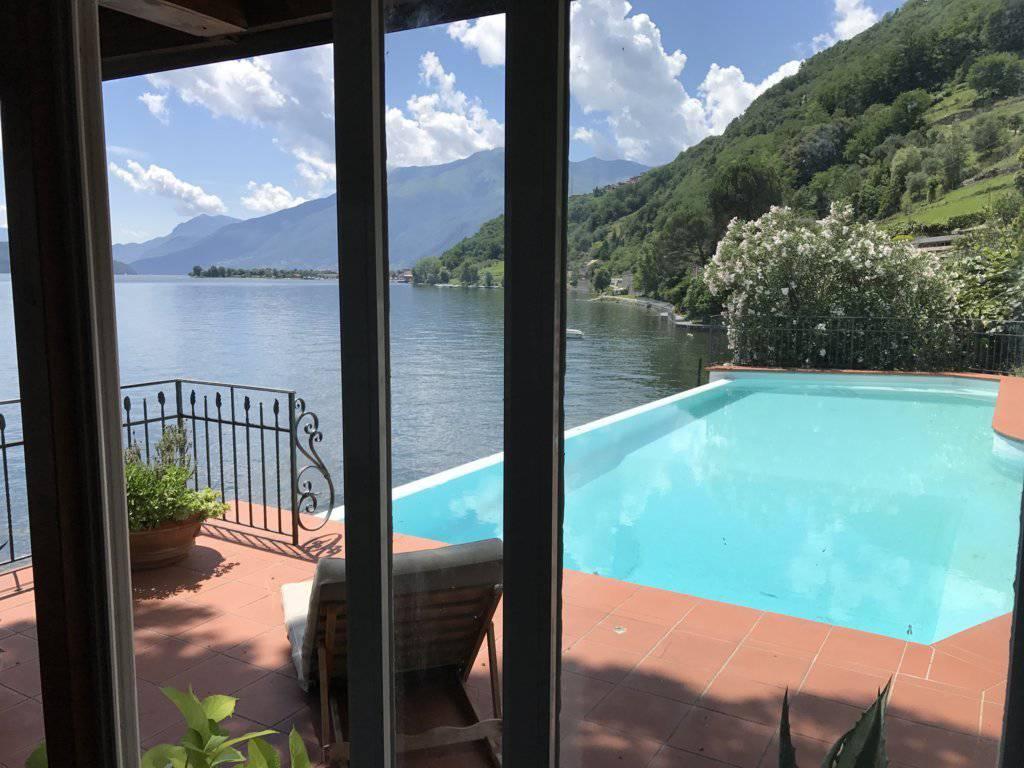 Villa-con-piscina-e-molo-sul-Lago-di-Como-in-vendita-a-Gera-Lario-10