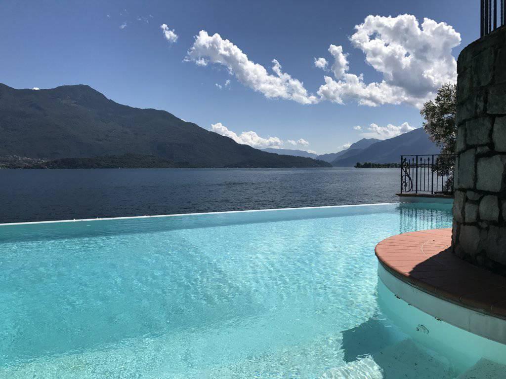 Villa-con-piscina-e-molo-sul-Lago-di-Como-in-vendita-a-Gera-Lario-11