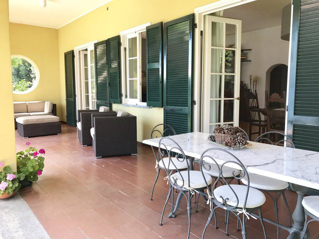 Villa-con-piscina-e-molo-sul-Lago-di-Como-in-vendita-a-Gera-Lario-3