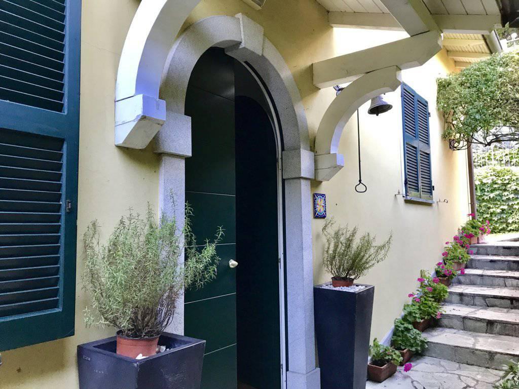 Villa-con-piscina-e-molo-sul-Lago-di-Como-in-vendita-a-Gera-Lario-7