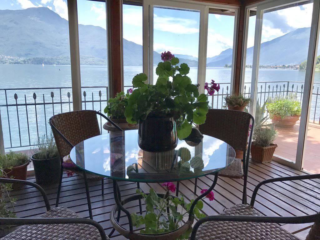 Villa-con-piscina-e-molo-sul-Lago-di-Como-in-vendita-a-Gera-Lario-8