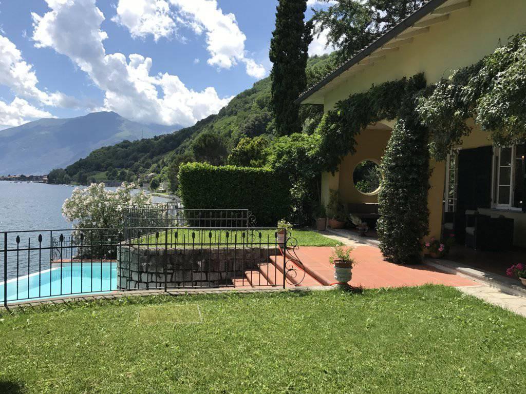 Piscina - Villa con piscina e molo sul Lago di Como in vendita a Gera Lario - Como - 3
