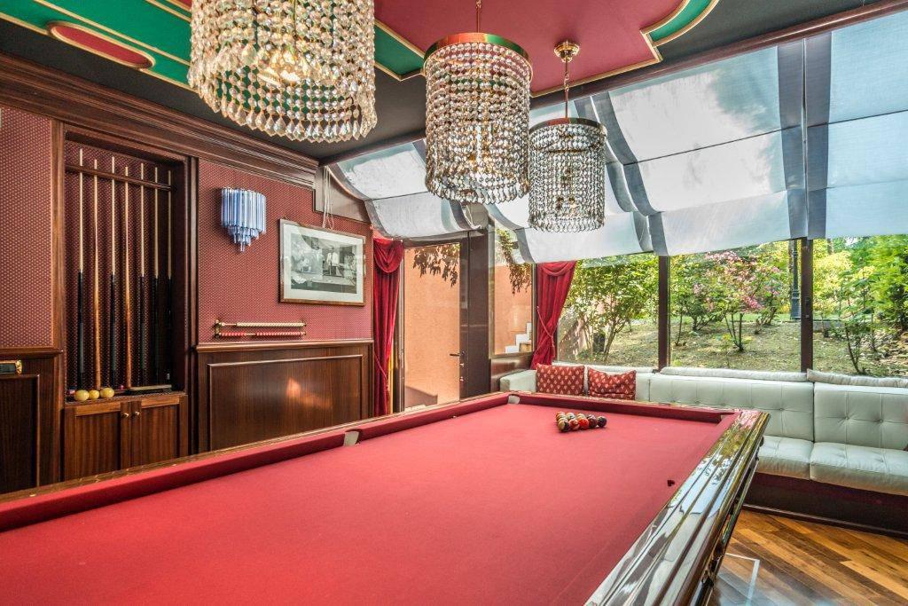 Villa-con-piscina-in-vendita-a-Basiglio-Milano-3-12