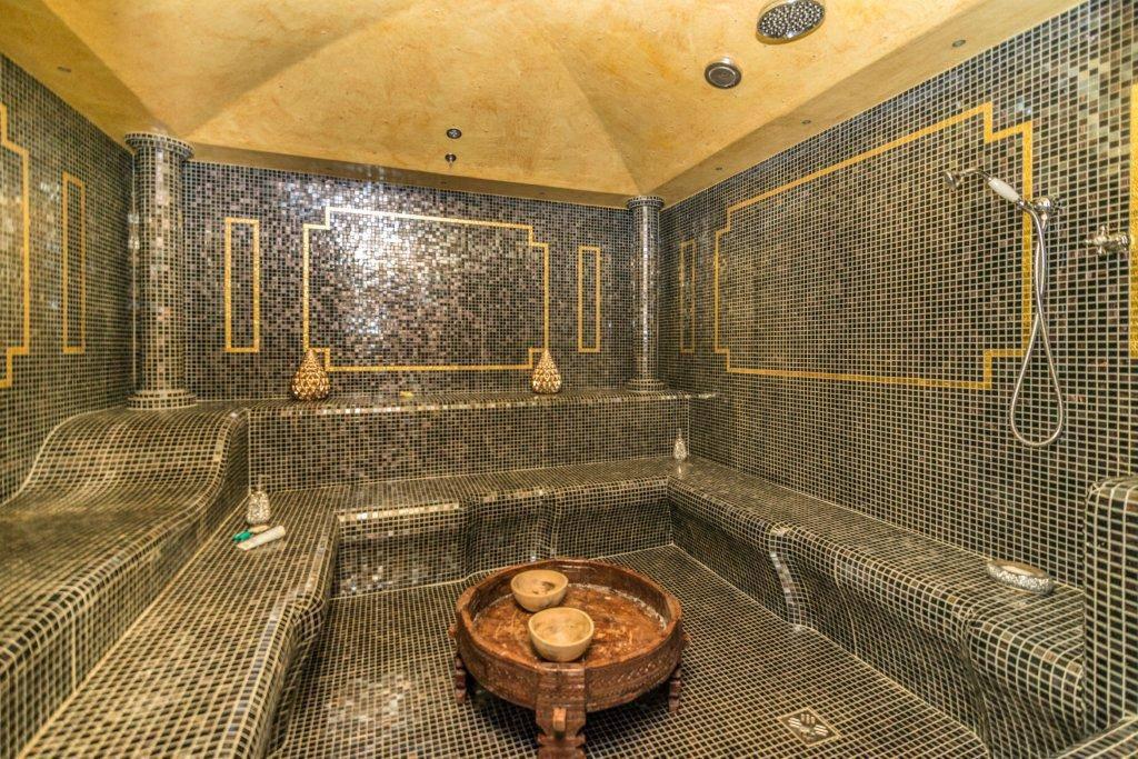 Villa-con-piscina-in-vendita-a-Basiglio-Milano-3-17