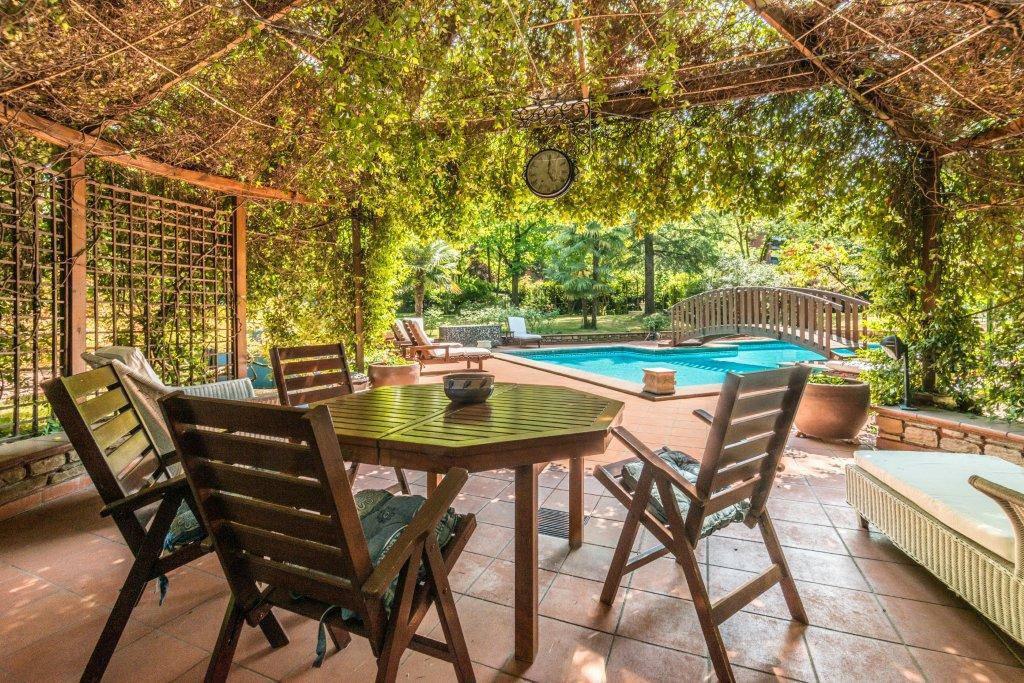 Villa-con-piscina-in-vendita-a-Basiglio-Milano-3-19