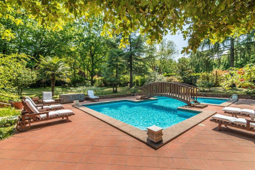 Villa-con-piscina-in-vendita-a-Basiglio-Milano-3-20