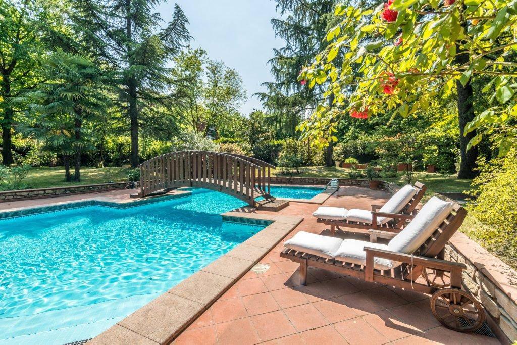 Villa-con-piscina-in-vendita-a-Basiglio-Milano-3-7