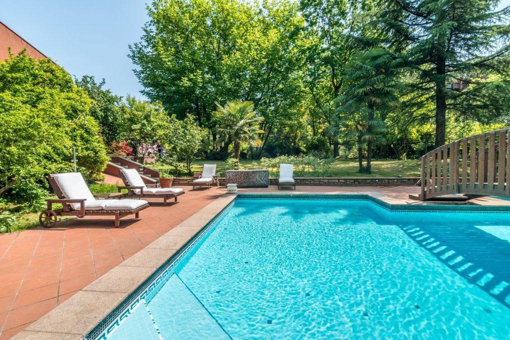 Villa-con-piscina-in-vendita-a-Basiglio-Milano-3