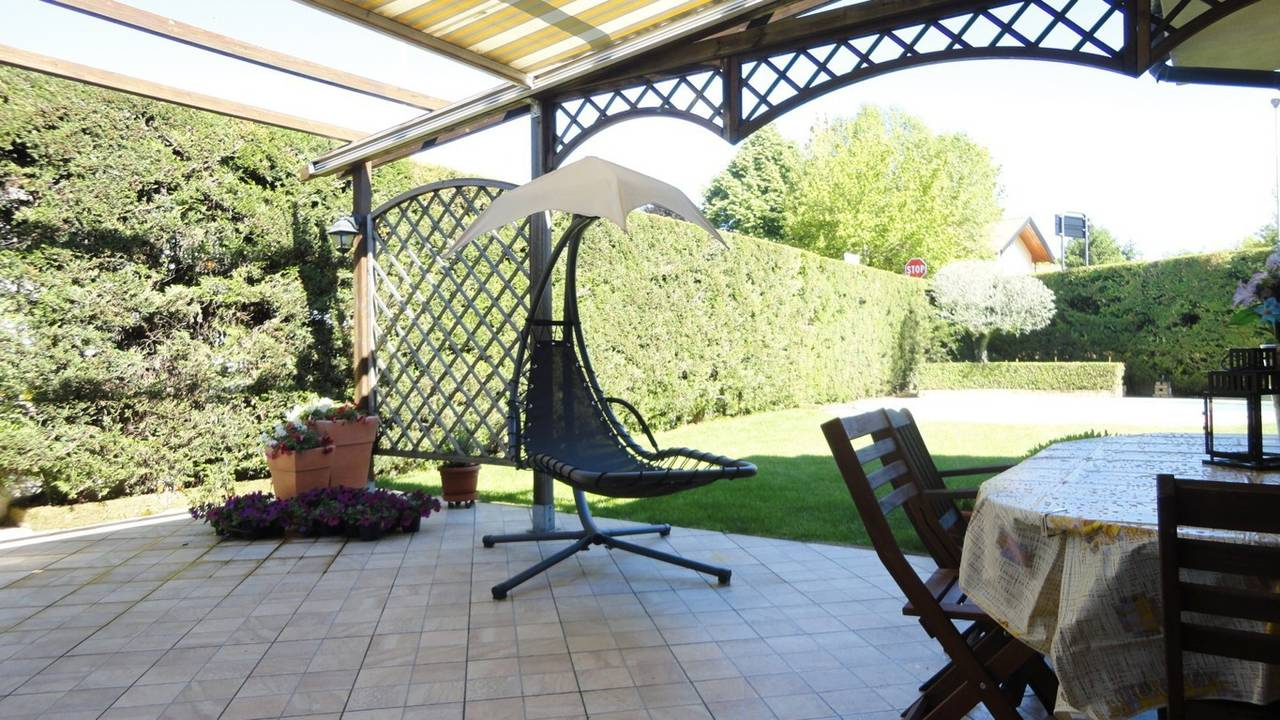Villa-con-piscina-in-vendita-a-Busnago-in-Brianza-20