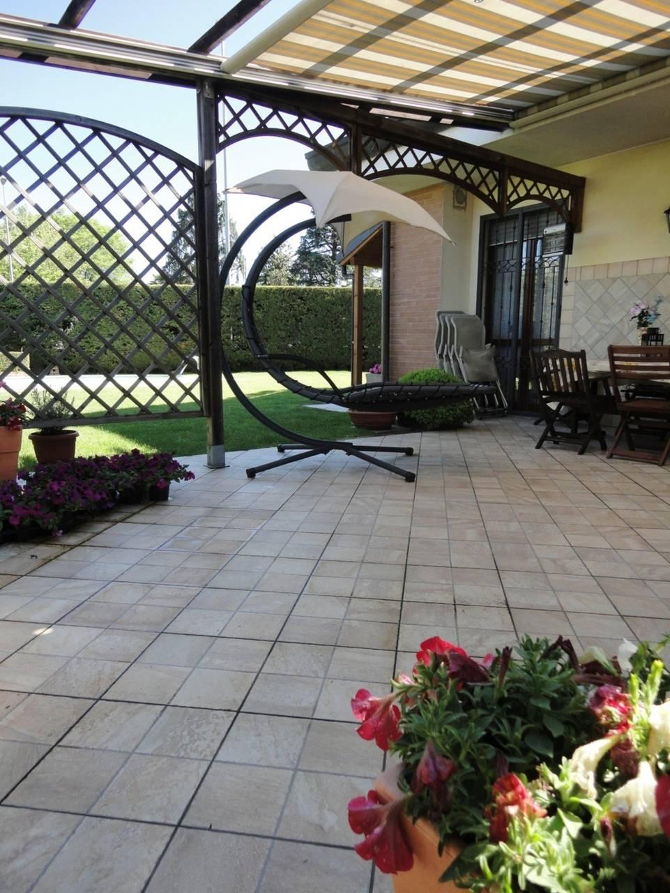 Villa-con-piscina-in-vendita-a-Busnago-in-Brianza-4