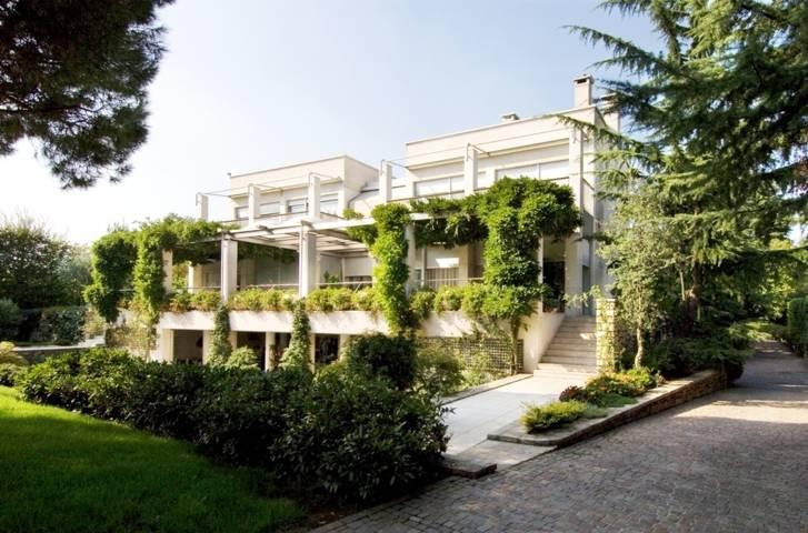 Villa-con-piscina-in-vendita-a-Cornate-d39Adda-19