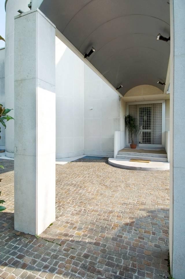 Villa-con-piscina-in-vendita-a-Cornate-d39Adda-21