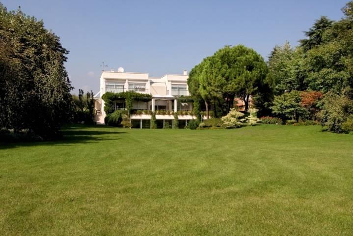 Villa-con-piscina-in-vendita-a-Cornate-d39Adda-7