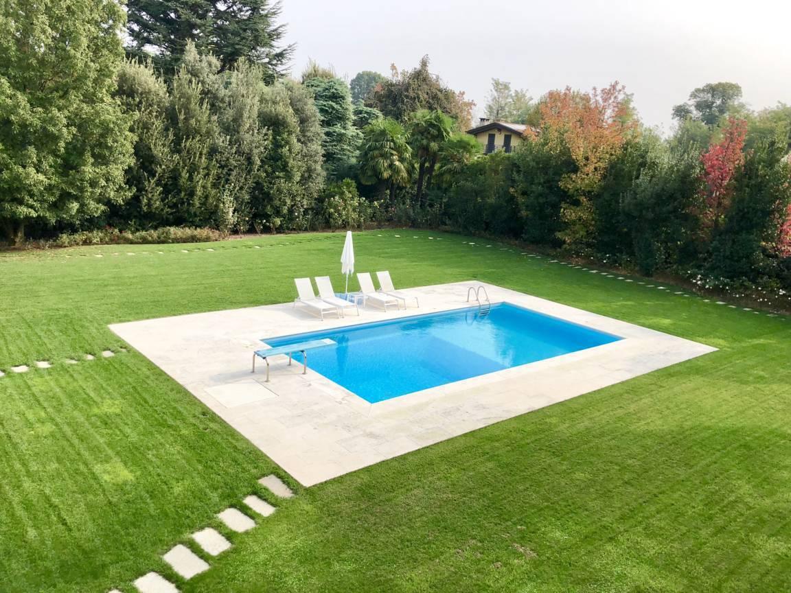 Villa-con-piscina-in-vendita-a-Lesmo-in-Brianza-10