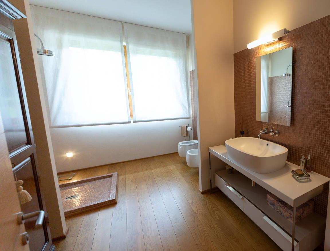 Villa-con-piscina-in-vendita-a-Lesmo-in-Brianza-30