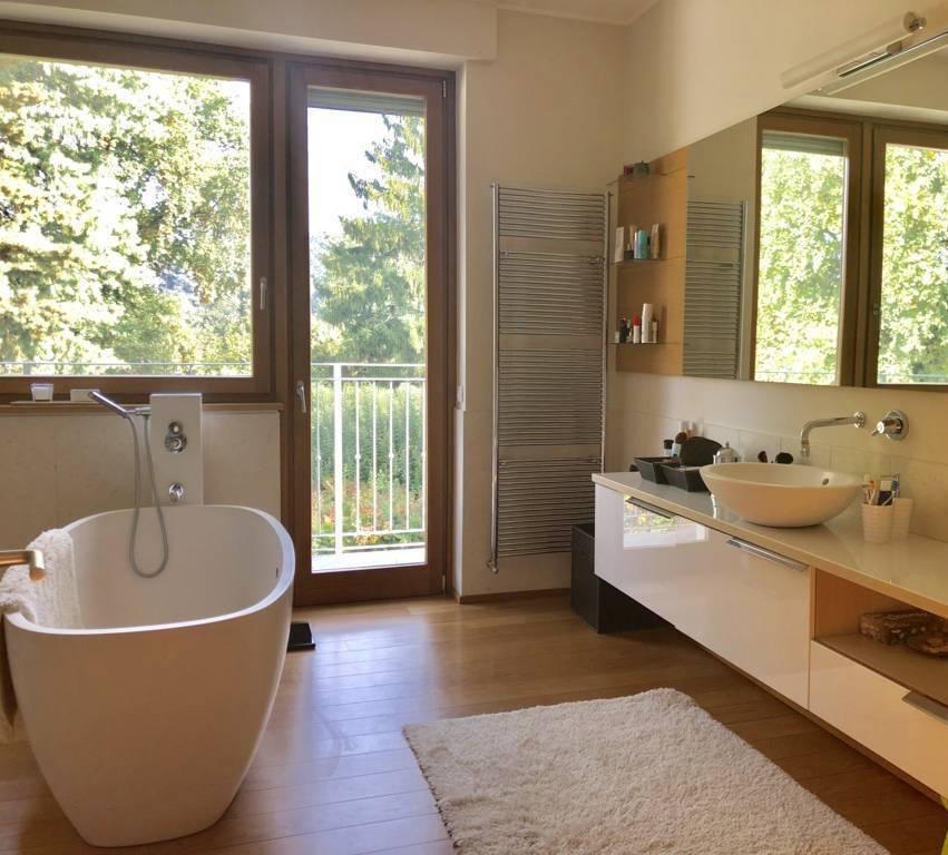 Villa-con-piscina-in-vendita-a-Lesmo-in-Brianza-34