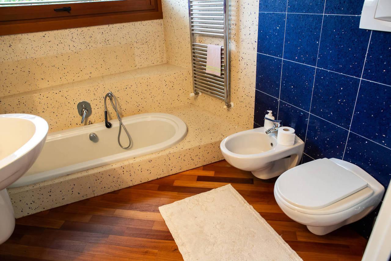 Villa-con-piscina-in-vendita-a-Lesmo-in-Brianza-35
