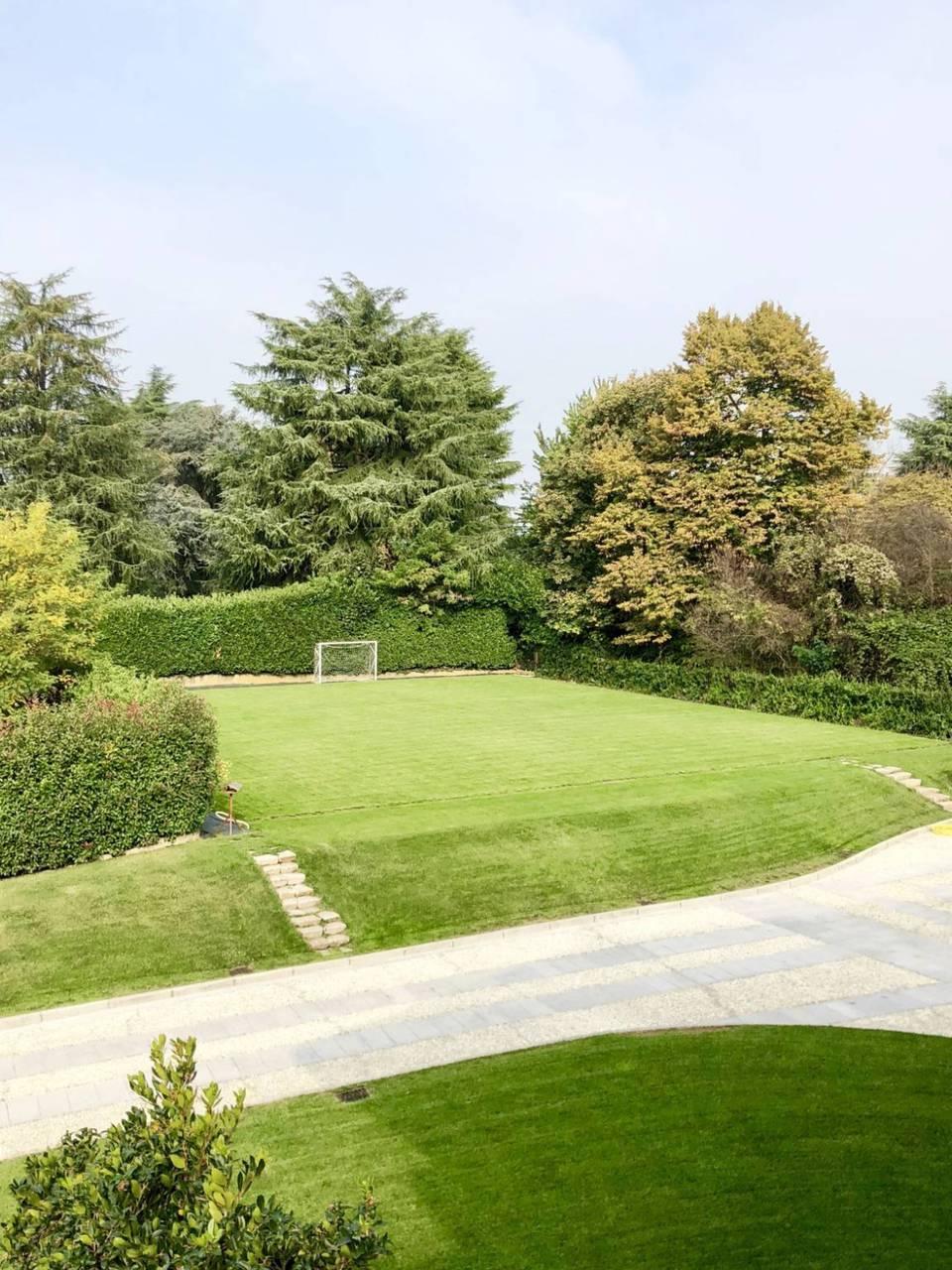 Villa-con-piscina-in-vendita-a-Lesmo-in-Brianza-6