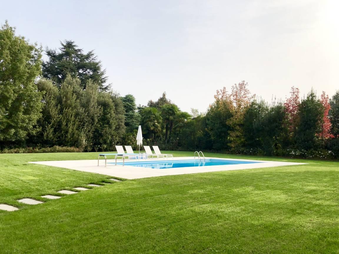 Villa-con-piscina-in-vendita-a-Lesmo-in-Brianza-8