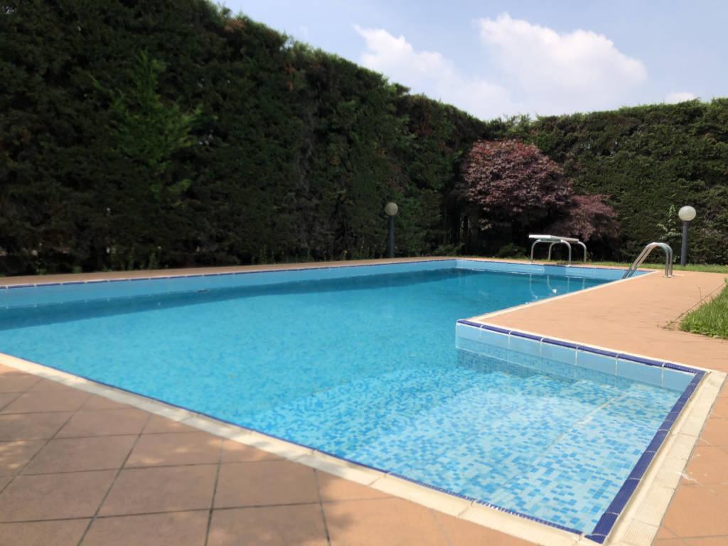 Villa-con-piscina-in-vendita-a-Mezzago-in-Brianza-7