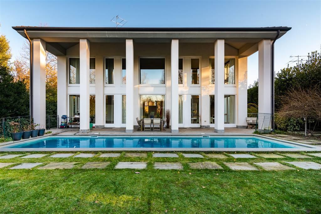 Villa-con-piscina-in-vendita-a-Robbiate-6