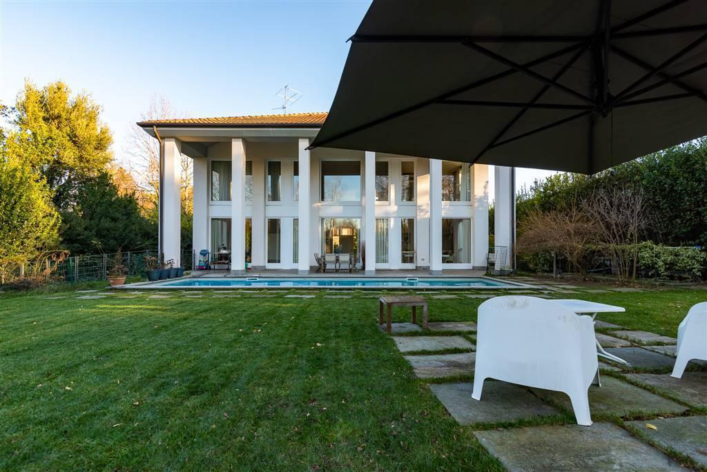 Villa-con-piscina-in-vendita-a-Robbiate-9