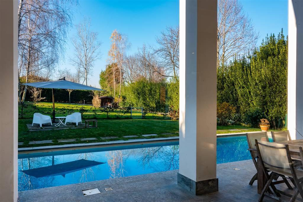 Villa-con-piscina-in-vendita-a-Robbiate