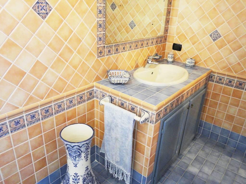 Villa-con-piscina-in-vendita-a-Roncello-13