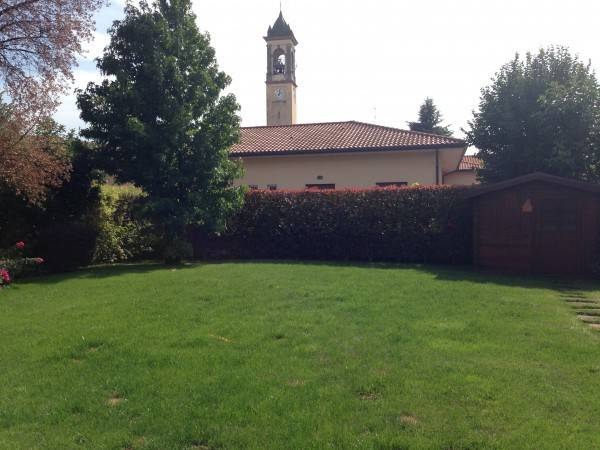 Villa-con-piscina-in-vendita-a-Roncello-20