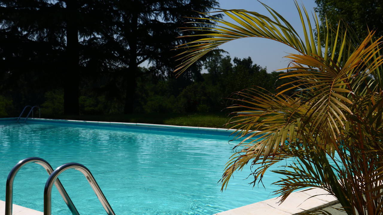 Villa-con-piscina-in-vendita-a-San-Colombano-Milano-1