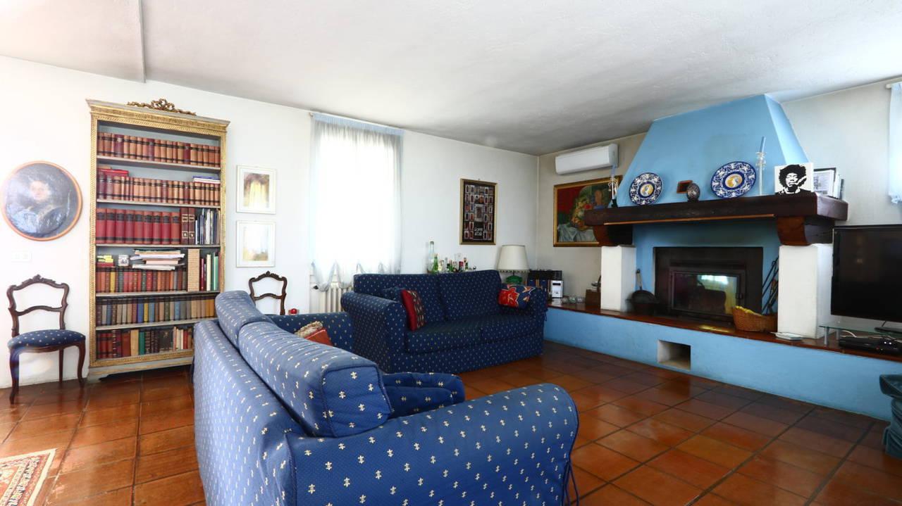 Villa-con-piscina-in-vendita-a-San-Colombano-Milano-12