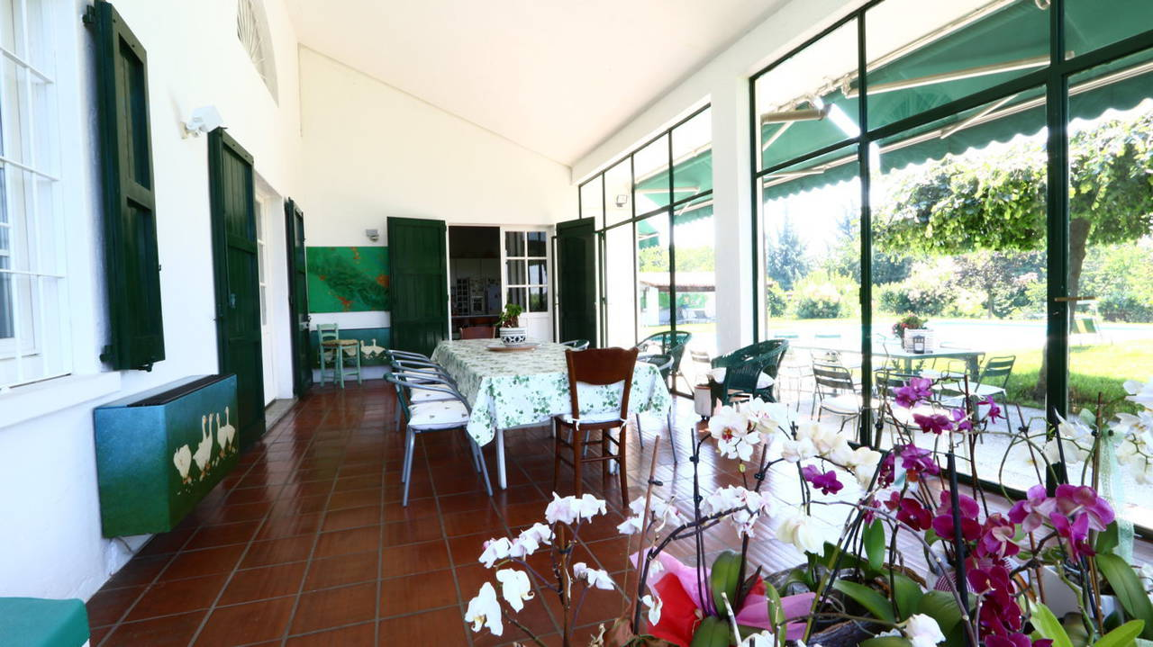 Villa-con-piscina-in-vendita-a-San-Colombano-Milano-15