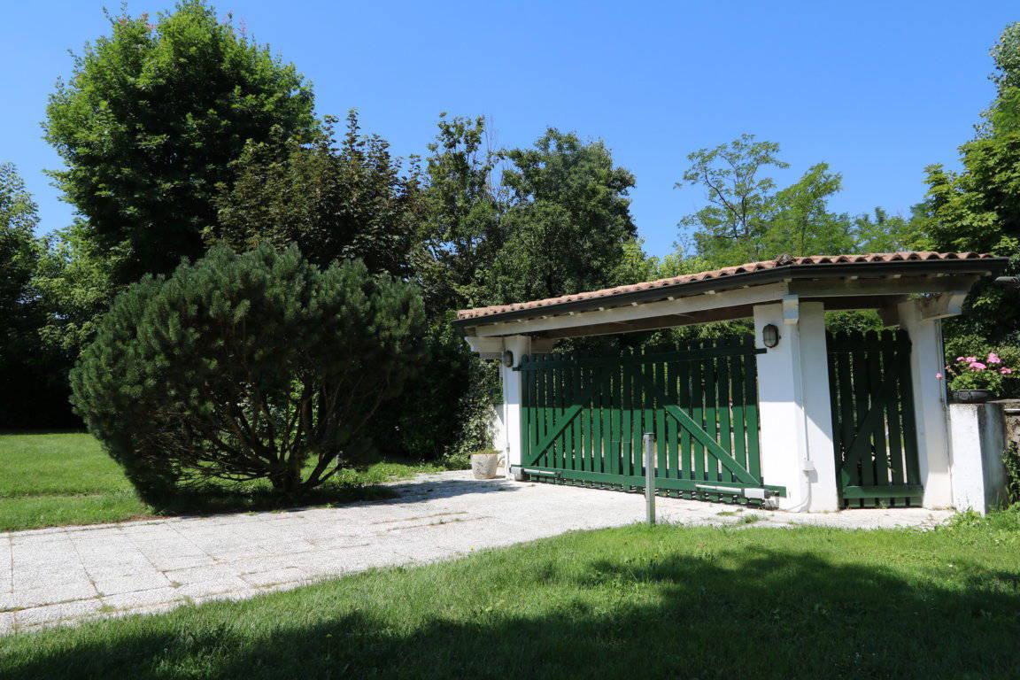 Villa-con-piscina-in-vendita-a-San-Colombano-Milano-17