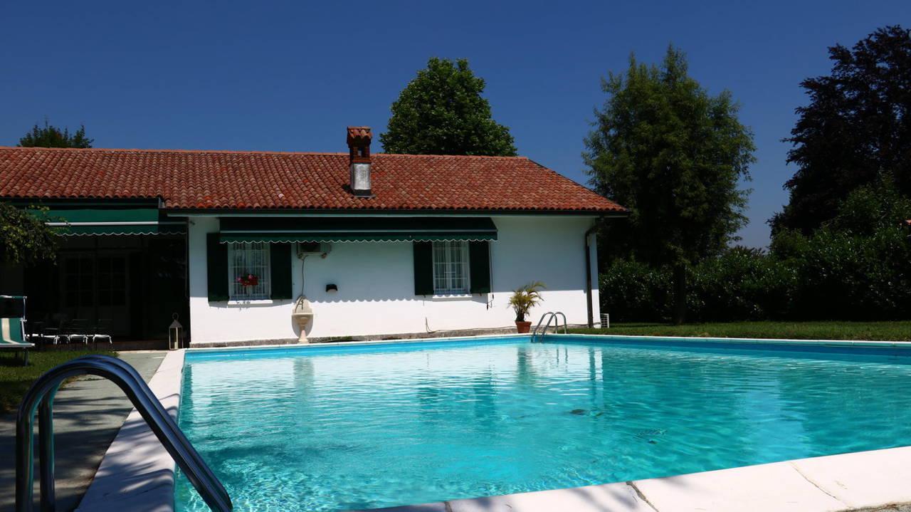 Villa-con-piscina-in-vendita-a-San-Colombano-Milano-24