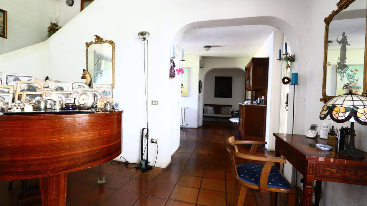 Villa-con-piscina-in-vendita-a-San-Colombano-Milano-4