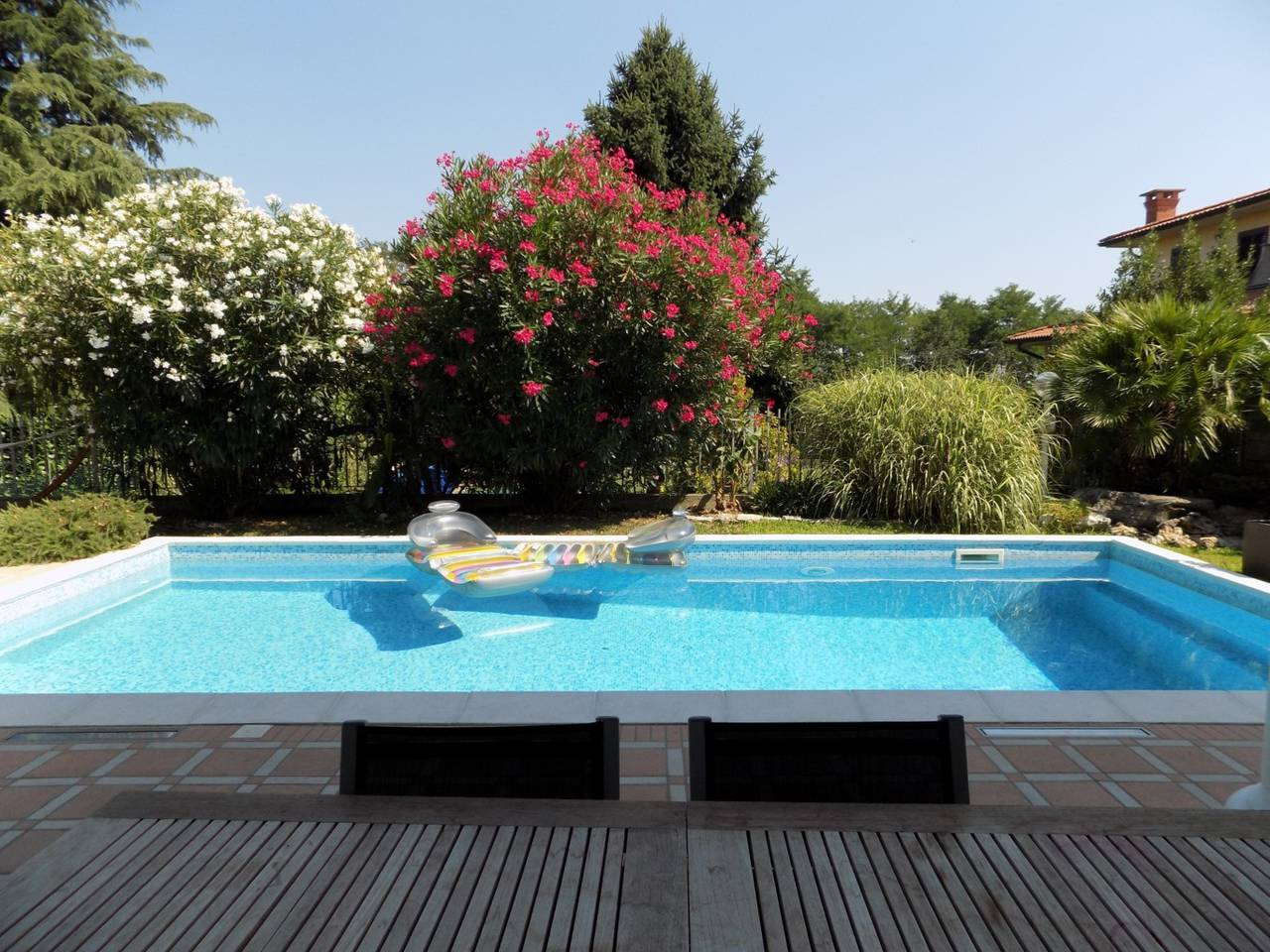 Villa-con-piscina-in-vendita-a-Trezzano-Rosa-15