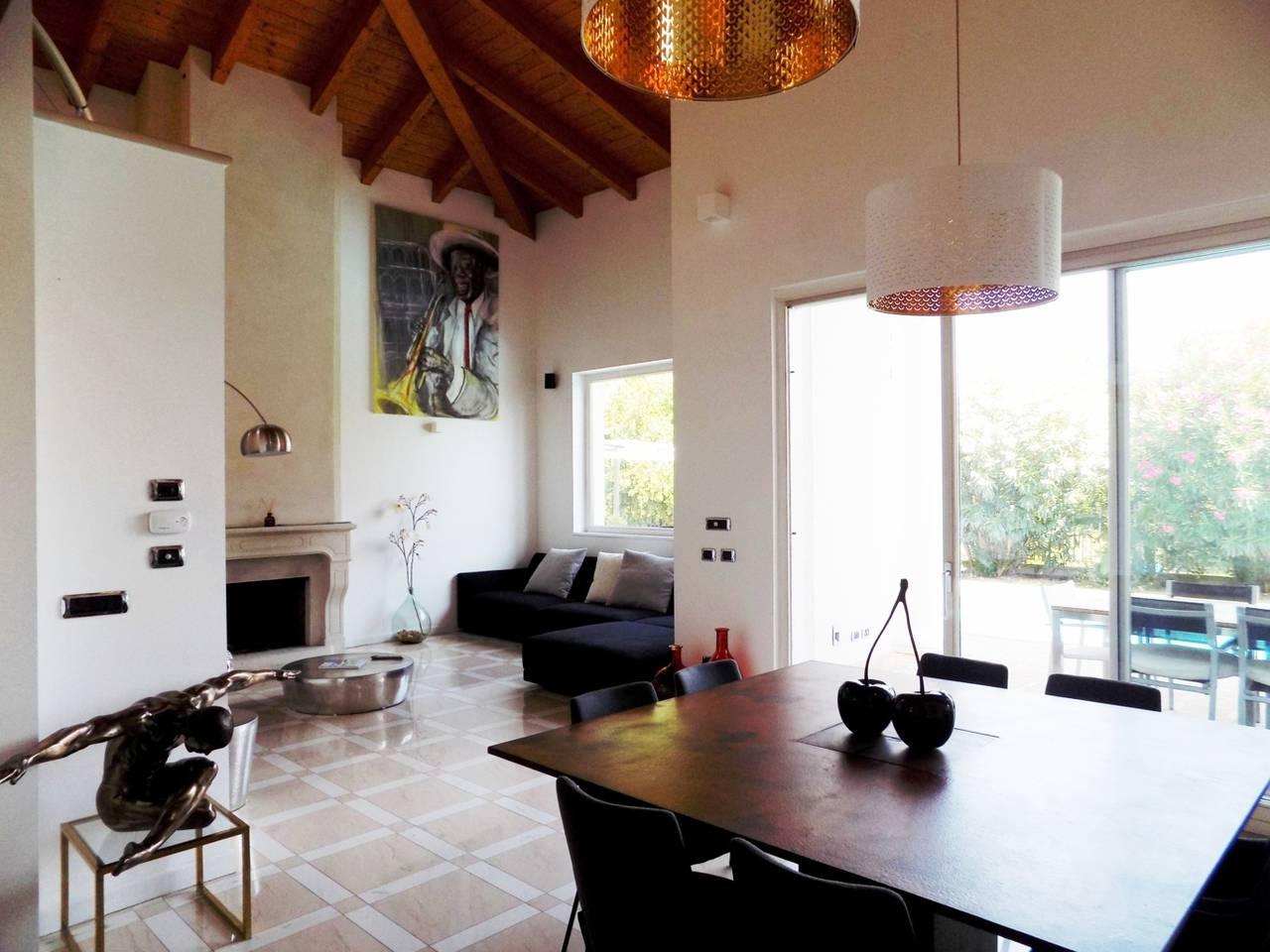 Villa-con-piscina-in-vendita-a-Trezzano-Rosa-21