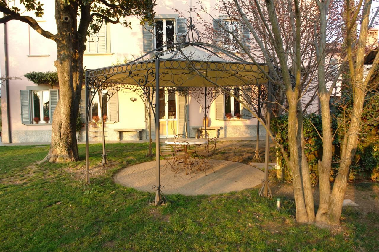 Villa-d39epoca-di-pregio-a-Missaglia-1
