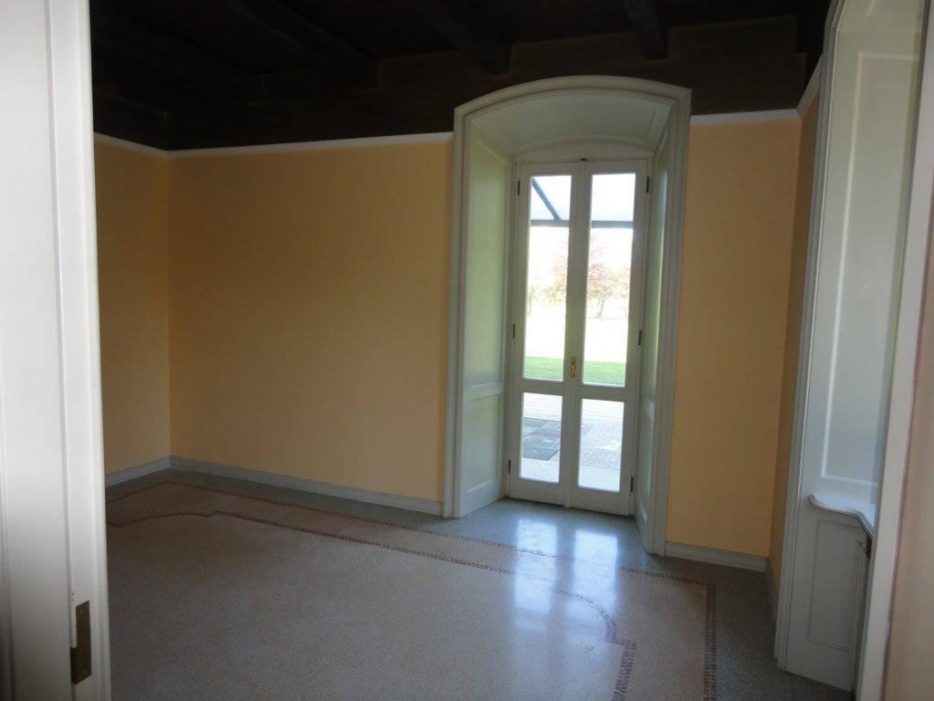 Villa-d39epoca-di-pregio-a-Missaglia-11