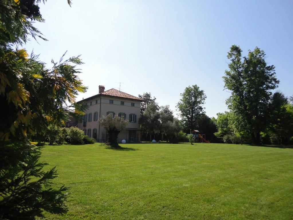 Villa-d39epoca-di-pregio-a-Missaglia-12