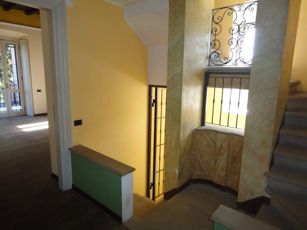 Villa-d39epoca-di-pregio-a-Missaglia-23