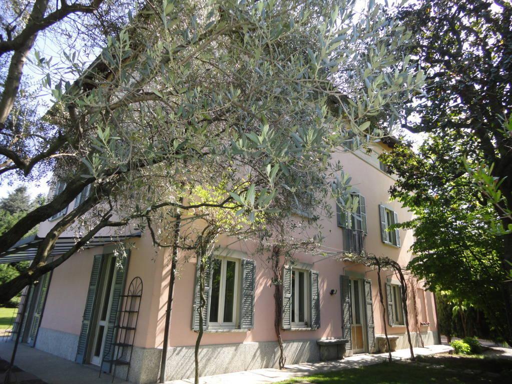 Villa-d39epoca-di-pregio-a-Missaglia-25
