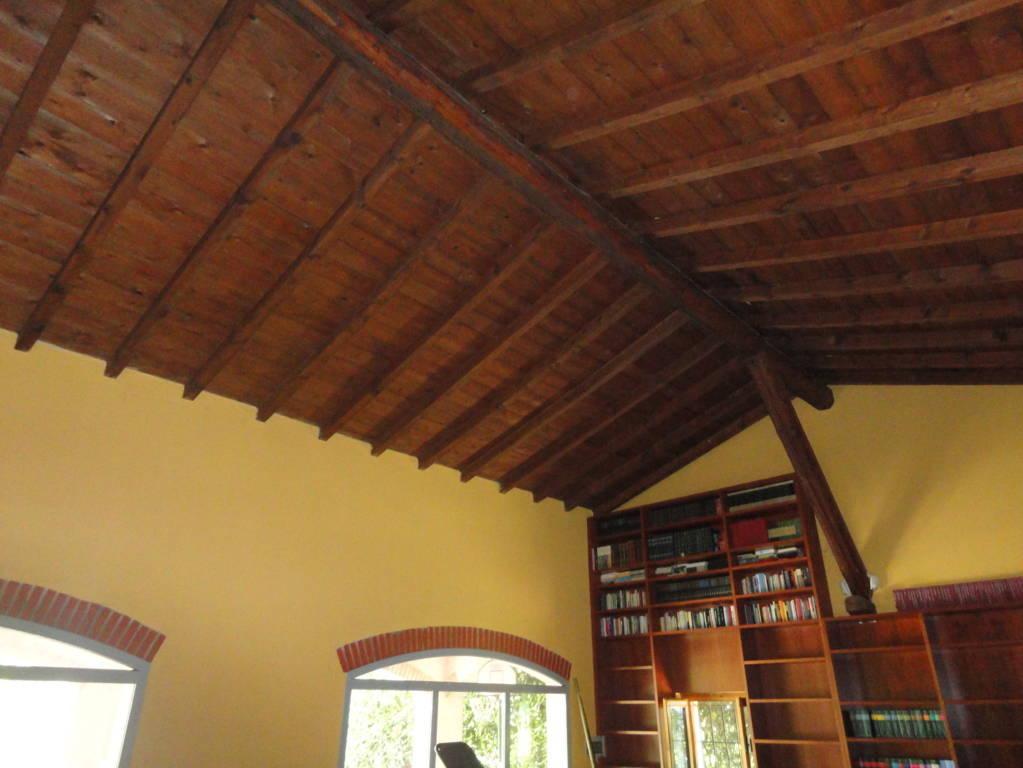 Villa-d39epoca-di-pregio-a-Missaglia-28