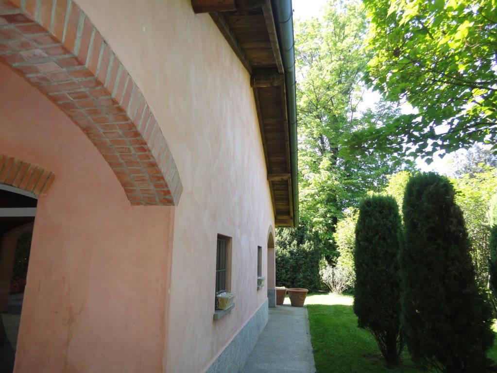 Villa-d39epoca-di-pregio-a-Missaglia-30