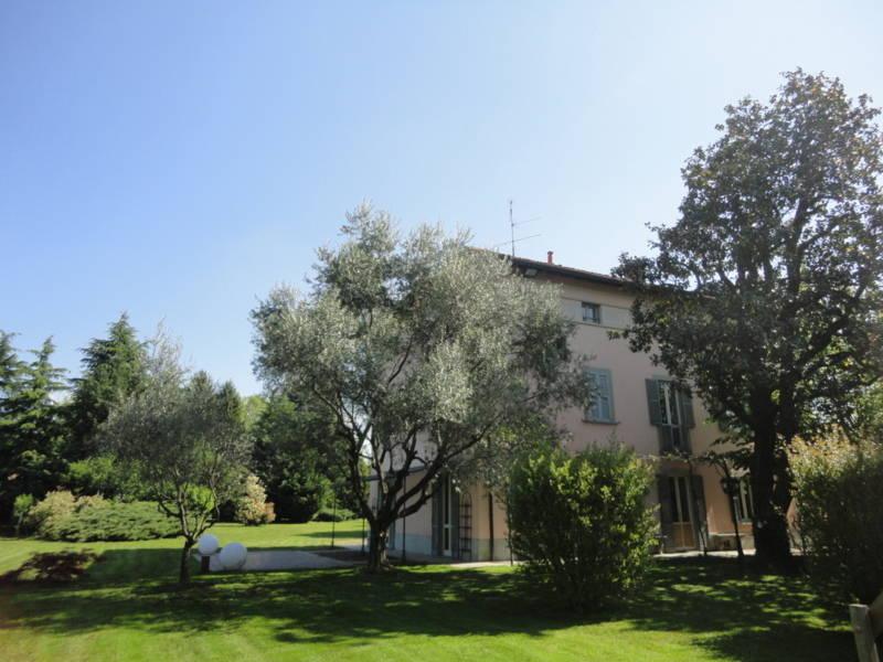 Villa-d39epoca-di-pregio-a-Missaglia-31