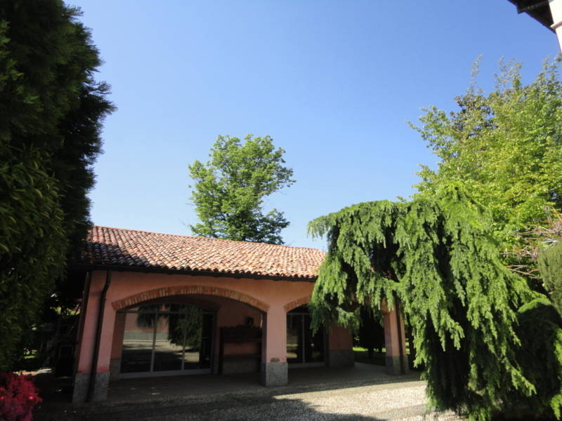 Villa-d39epoca-di-pregio-a-Missaglia-37