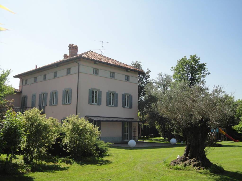 Villa-d39epoca-di-pregio-a-Missaglia-38