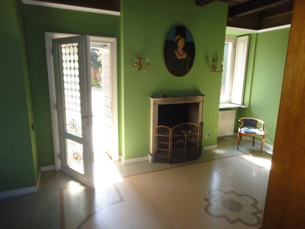 Villa-d39epoca-di-pregio-a-Missaglia-8