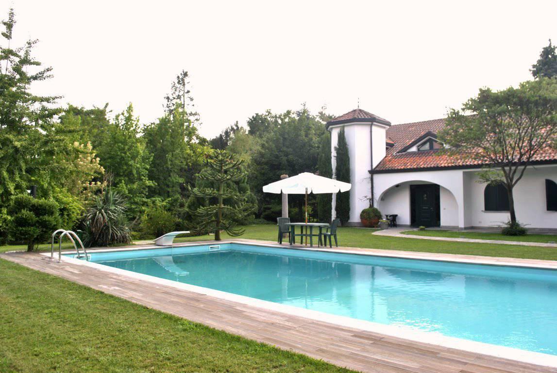 Villa-di-lusso-in-vendita-a-Casatenovo-in-Brianza-48