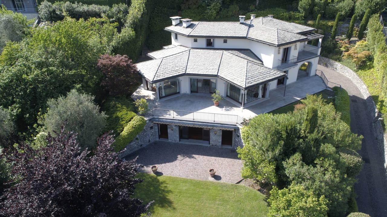 Villa-di-lusso-sul-Lago-di-Como-in-vendita-a-Mezzegra-1